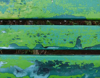 18.12.2020  Farben: Grün- und Blautöne der Parkbank am Wegesrand... / Colours: Greens and blues of the park bench at the wayside... Matthias Harnisch * Kunst & Natur